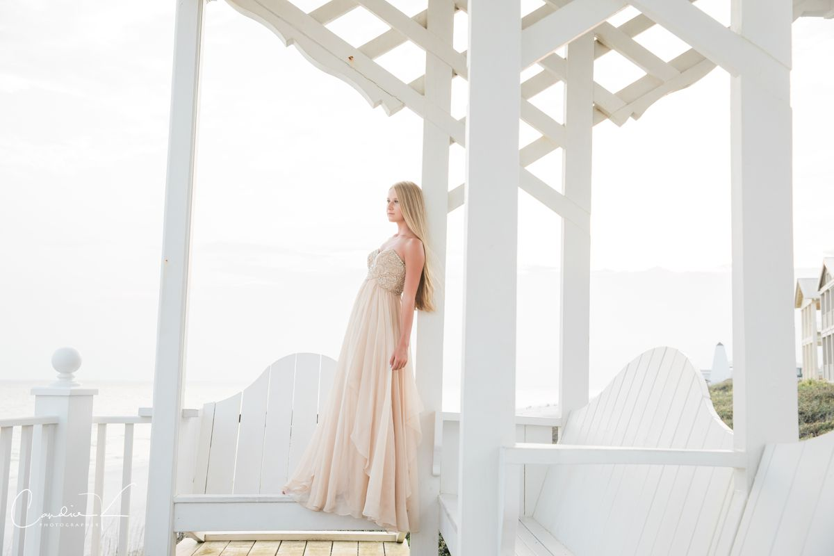 grad photos in seaside Florida